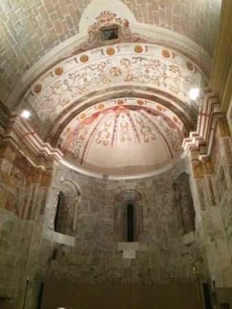 Mon St Benet: Church