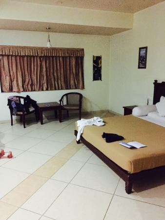 La Casa Inn: Room