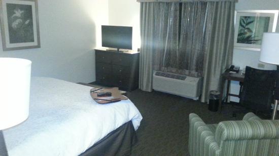 Hampton Inn Huntington University Area: Room was beautiful & VERY clean