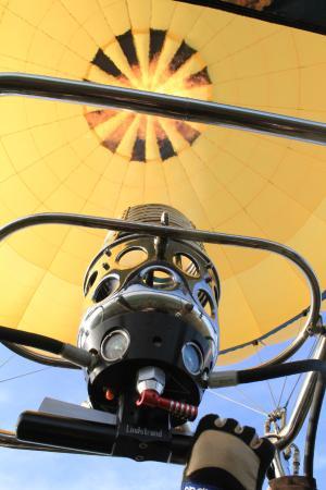 Montgolfieres de Falaise : Le brûleur en action