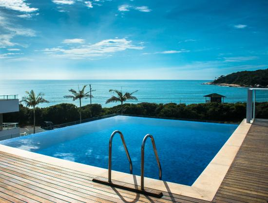Piscina panor mica com borda infinita picture of reserva praia hotel balneario camboriu - Piscina panoramica valdaora ...