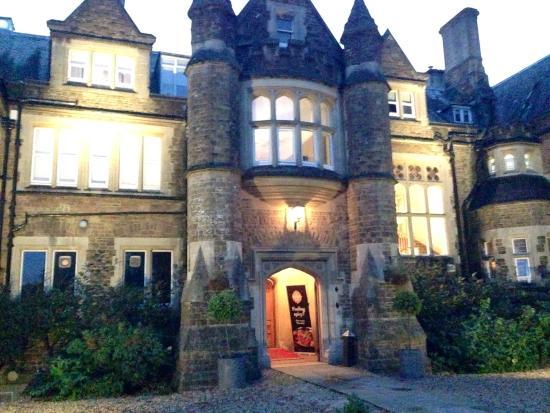 Hartsfield Manor, Betchworth: Manor