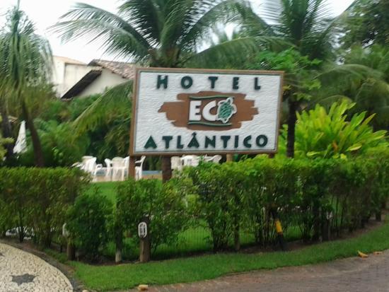 Hotel Eco Atlantico: Em frente a praça dos artistas