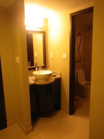 Golden Nugget Biloxi: Bathroom