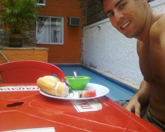 Bamboo Rio Hostel: breakfast
