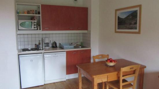 Residence Le Hameau des Ecrins : Kitchenette/salle à manger