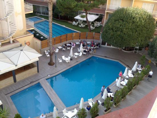 Piscina picture of gran hotel flamingo lloret de mar for Piscina lloret