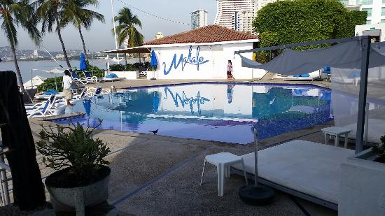 Mahalo Beach Club