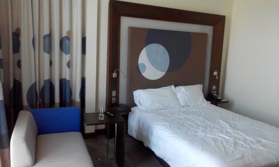 Novotel Abu Dhabi Gate: Room