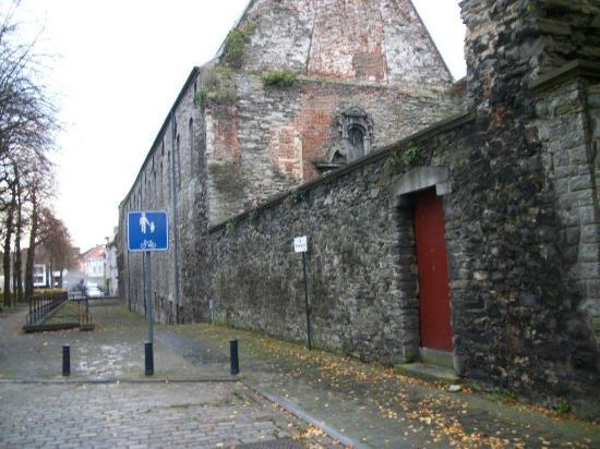 St Bavo's Abbey : Le mur ou entrée