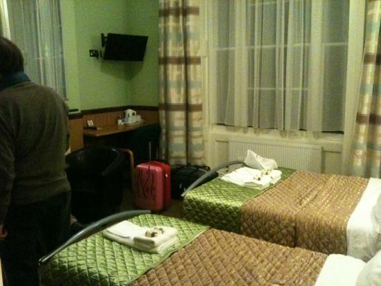 Gower House Hotel : stanza tripla