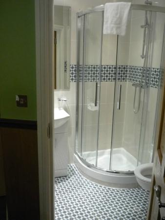 Gower House Hotel: bagno in camera