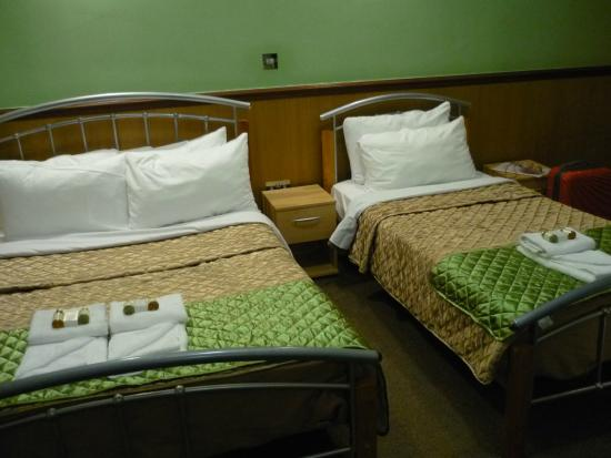 Gower House Hotel: letto alla francese