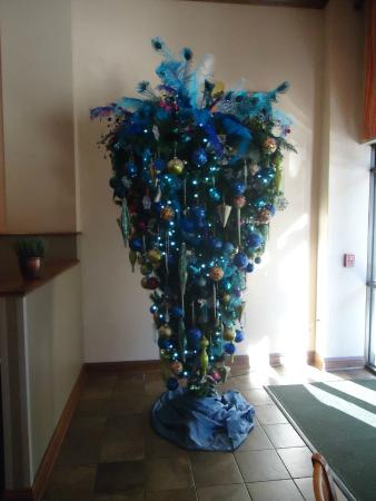 Upside down Christmas Tree. - Picture of Holiday Inn - Mobile ...