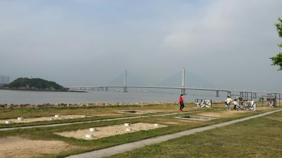 Qi'ao Island: Image from qiao to the main land of Zhuhai