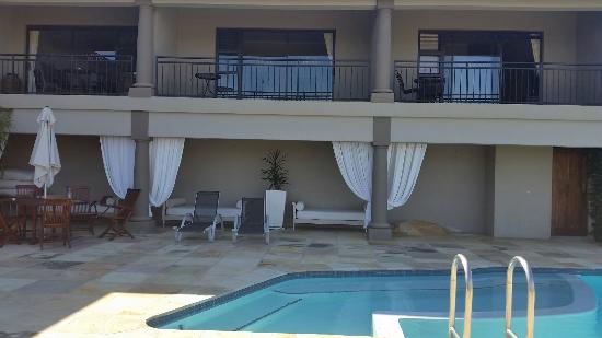 Belmonte Guesthouse: Rooms overlooking the pool area