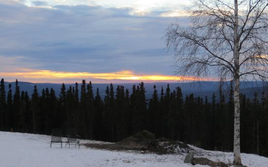 Sirius Sled Dogs & Aurora Tours : Sunset from the kennel