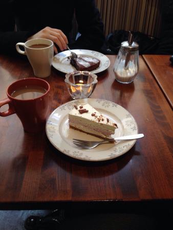 Cafè Kladdkakan: Cakes