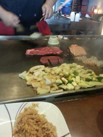 Akira Japanese Steak House: Streak and veggies