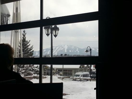 Bromont Ski Area: Ski Bromont 2013-2014 vu du restaurant East Side Mario's