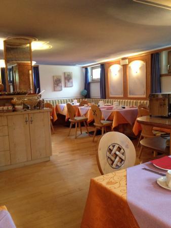 Small World Hotel: Sala della colazione