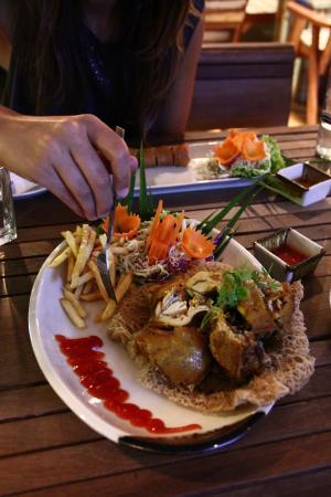 Jatujak Gallery & Restaurant: Pollo Thai