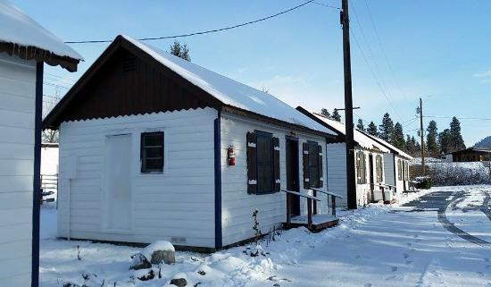 Dryden, WA: some of the cabins