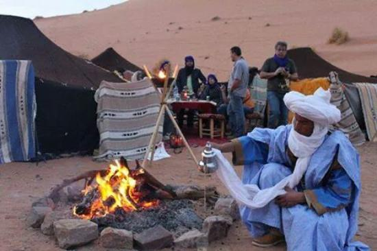 Desert Berber Fire-Camp: Merzouga stargaizing camp