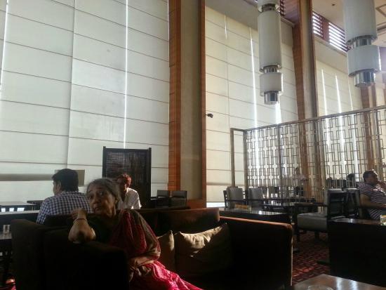 Courtyard Ahmedabad : restaurent