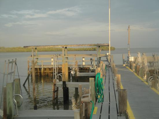 Chokoloskee Island Park and Marina : Marina and dock