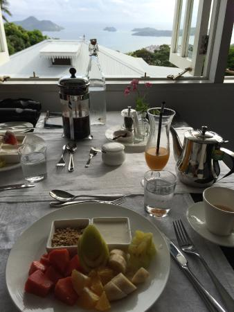 The Station Seychelles : A delicious breakfast & beautiful view to neighboring islands