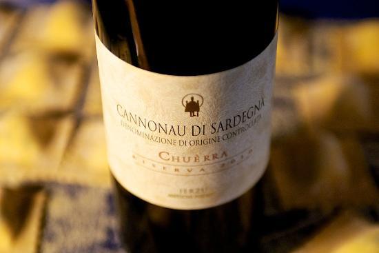 Isola del Sole: Cannonau Wine