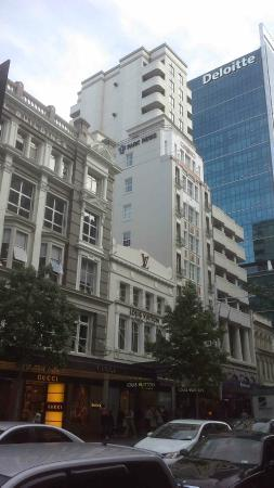 Grand Windsor Hotel Auckland : Street View of Hotel