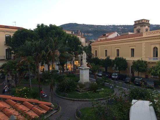 Villa Elisa Casa Vacanze: View from upper terrace