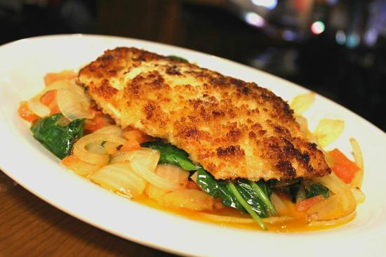 Village Tavern & Grill : Horseradish Crusted Salmon Dinner