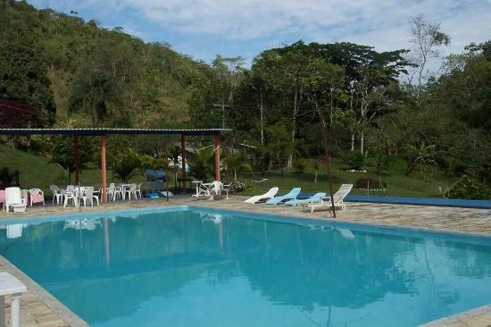 Pirai, RJ: A piscina naturista do Recanto do Paraíso.