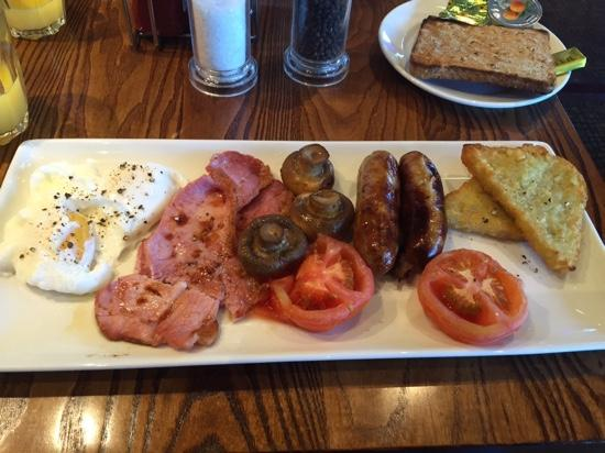 Premier Inn Aberdeen Airport (Dyce) Hotel: nice cooked to order breakfast