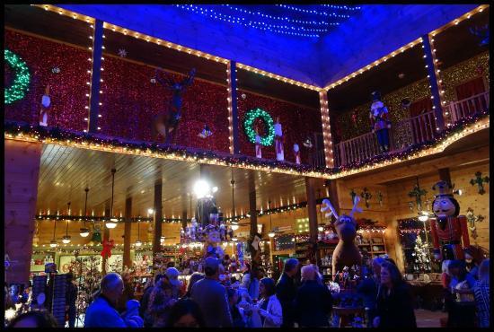 santas wonderland christmas shop - Christmas Lights College Station