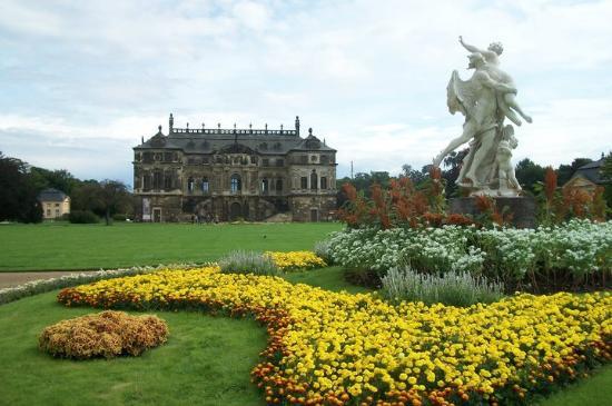 Palais Großer Garten: Vista do Castelo, no centro do Grosser Garten