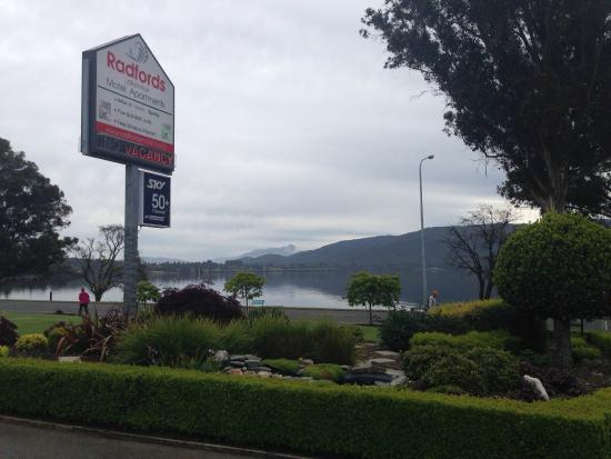 Radfords on the Lake : You can't help by be relaxed with a view like this from the hotel!