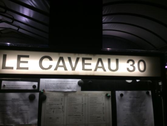 Le Caveau 30 : Insegna!