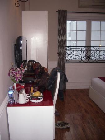 Calypso Suites Hotel: Deluxe room #8808