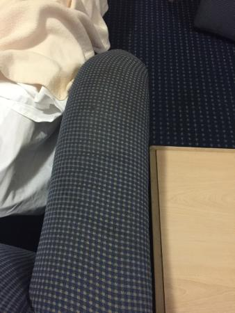 Hawthorn Suites By Wyndham Orlando International Drive: arm of couch