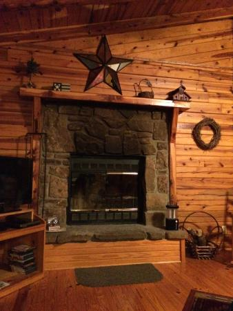 Silver Ridge Resort: One large room with living, kitchen and bedroom plus a separate bathroom.