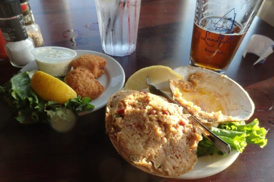 Landfall Restaurant : fish bites and stuffed quahog (and remains of the first IPA)