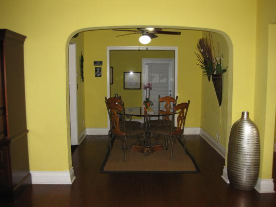 Ed Lugo Resort: Dining area