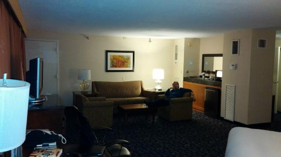 DoubleTree by Hilton Nashville-Downtown: roomy