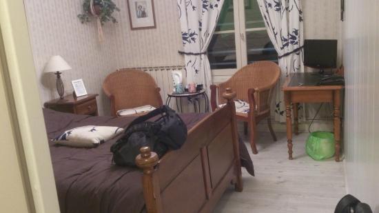 Hostellerie Saint Pierre: chambre