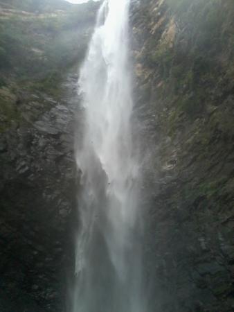 Uruana de Minas, MG: Cachoeira da Jiboia