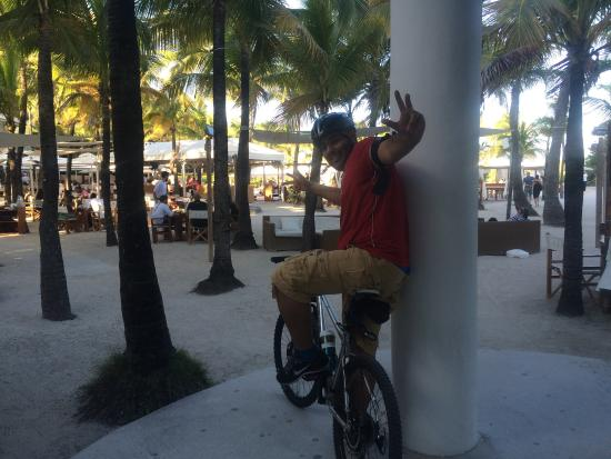 HI Miami Beach: Great place to ride a bicycle